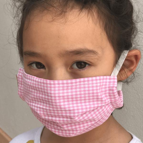 Schnullireich Kleine Helden Maske: Behelfs-Mund- & Nasen-Maske für Kinder (Mädchen / Vichy Karo)