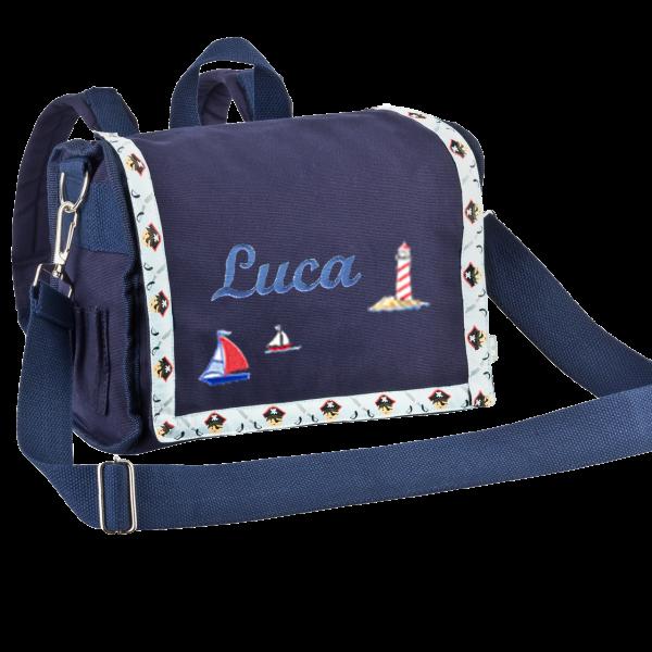 Personalisierbarer Kindergartenrucksack mit Namen bestickt Pirat Blau (Junge)
