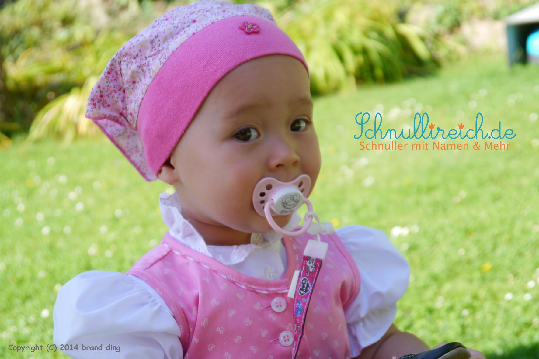 Wiesn-Wasen Baby mit Schnullerband und Schnuller mit Namen